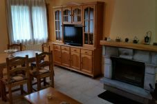 Apartment for 6 people in Biescas