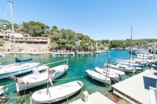 Apartment for 4 people in Cala Figuera