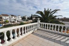Apartment in Empuriabrava at 2000 m from the beach