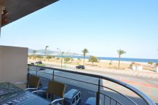 Apartment in Empuriabrava for 8 people with 3 rooms