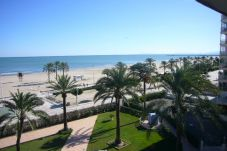 Beach front apartment in Cullera