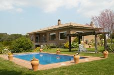 Villa with 4 bedrooms in Garrigoles