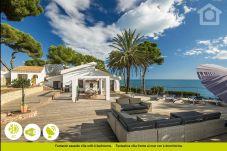 Beach front villa in Moraira