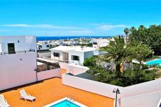 Villa in Puerto del Carmen at 800 m from the beach
